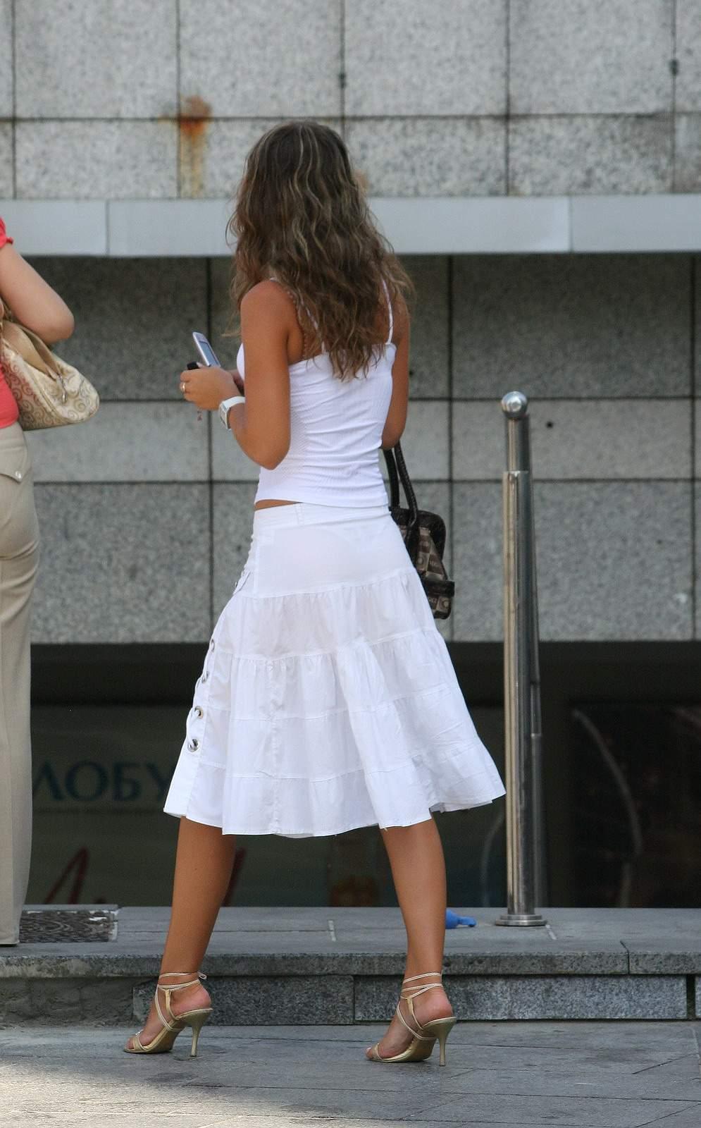 Фото просвечивающиеся платья на улице 19 фотография